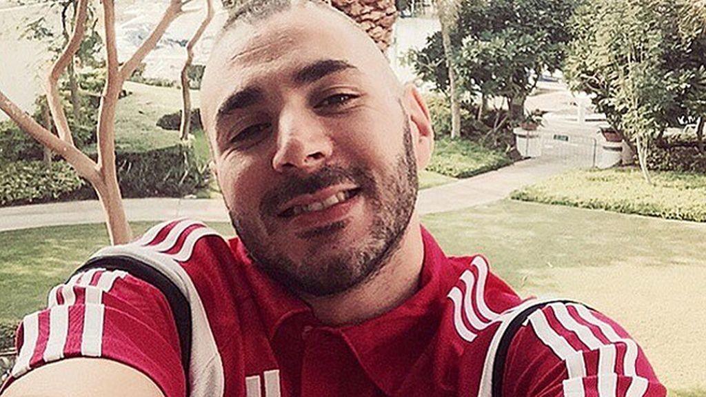 Benzema triunfa en las redes con sus selfies