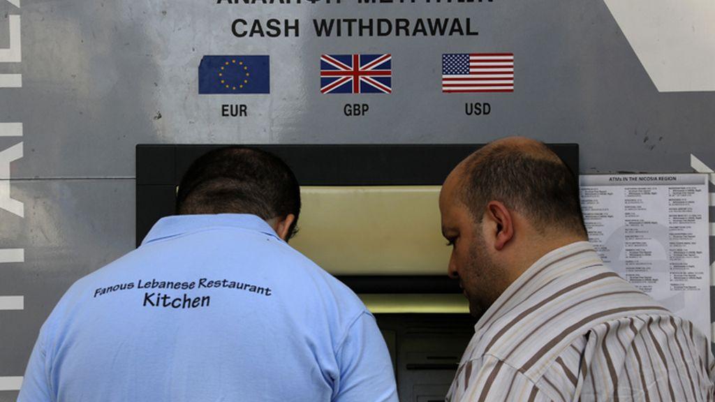 Entra en vigor el control de capitales en Chipre