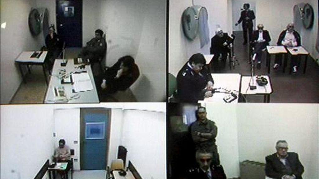 El capo de la mafia italiana Bernardo Provenzano es sometido a juicio vía satélite desde la prisión de alta seguridad en la que se encuentra recluido desde su captura. EFE/Archivo