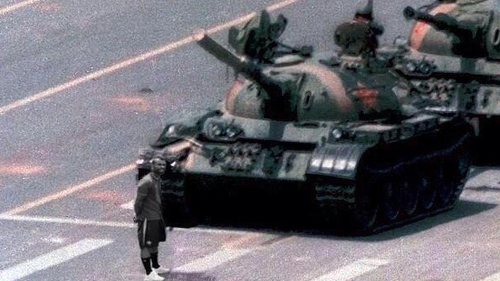 Cole paró el tanque en las protestas en la plaza de Tian'anmen