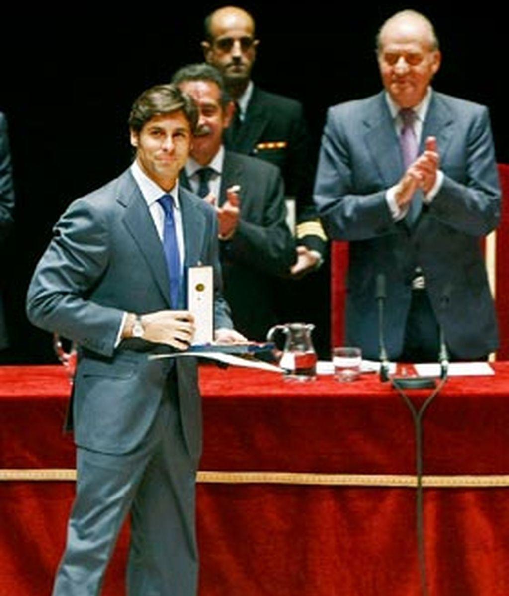 Fran Rivera recibe la Medalla de Oro al Mérito en las Bellas Artes, en una ceremonia presidida por los Reyes de España en el Palacio de Festivales de Cantabria.