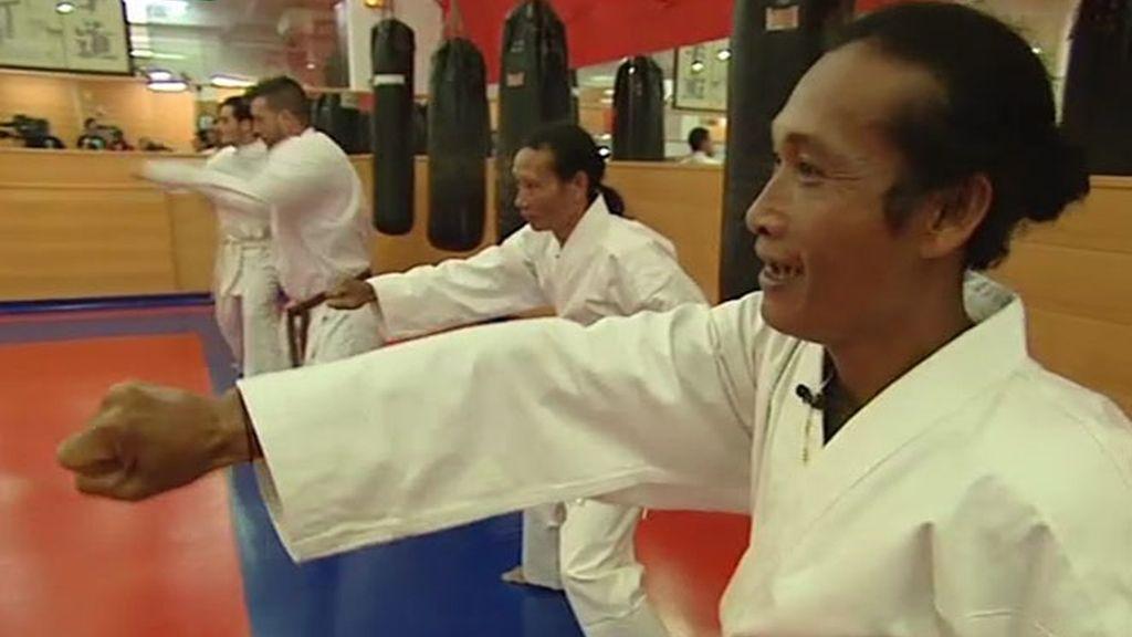 Practicando Karate con Luismi