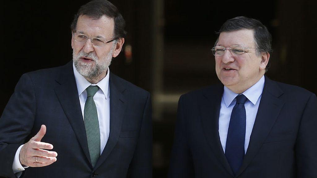 Mariano Rajoy y Durao Barroso se ven en La Moncloa antes las europeas