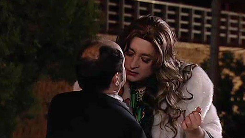 ¡Antonio Recio cree que es gay!