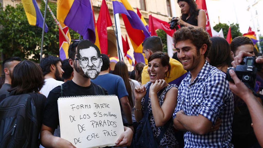 El espíritu republicano se esparce por las plazas de media España