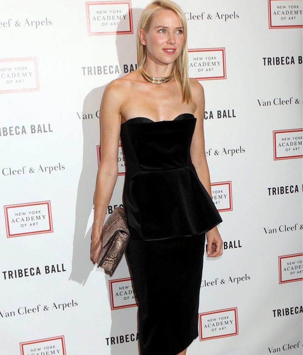 Naomi Watts y 'Samantha' de 'Sexo en NY' recaudan fondos con diferentes looks