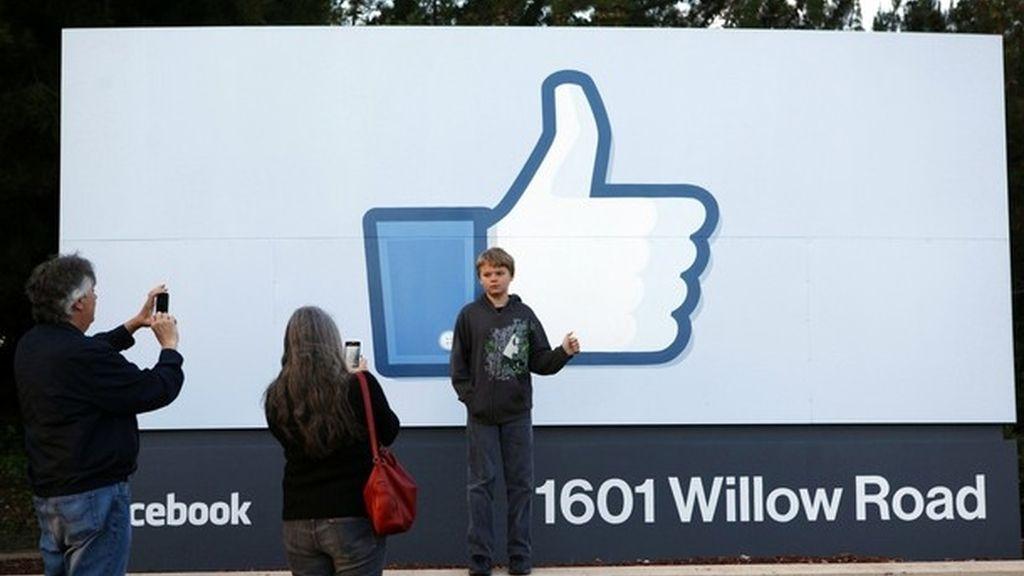 Imagen del exterior de la sede central de Facebook