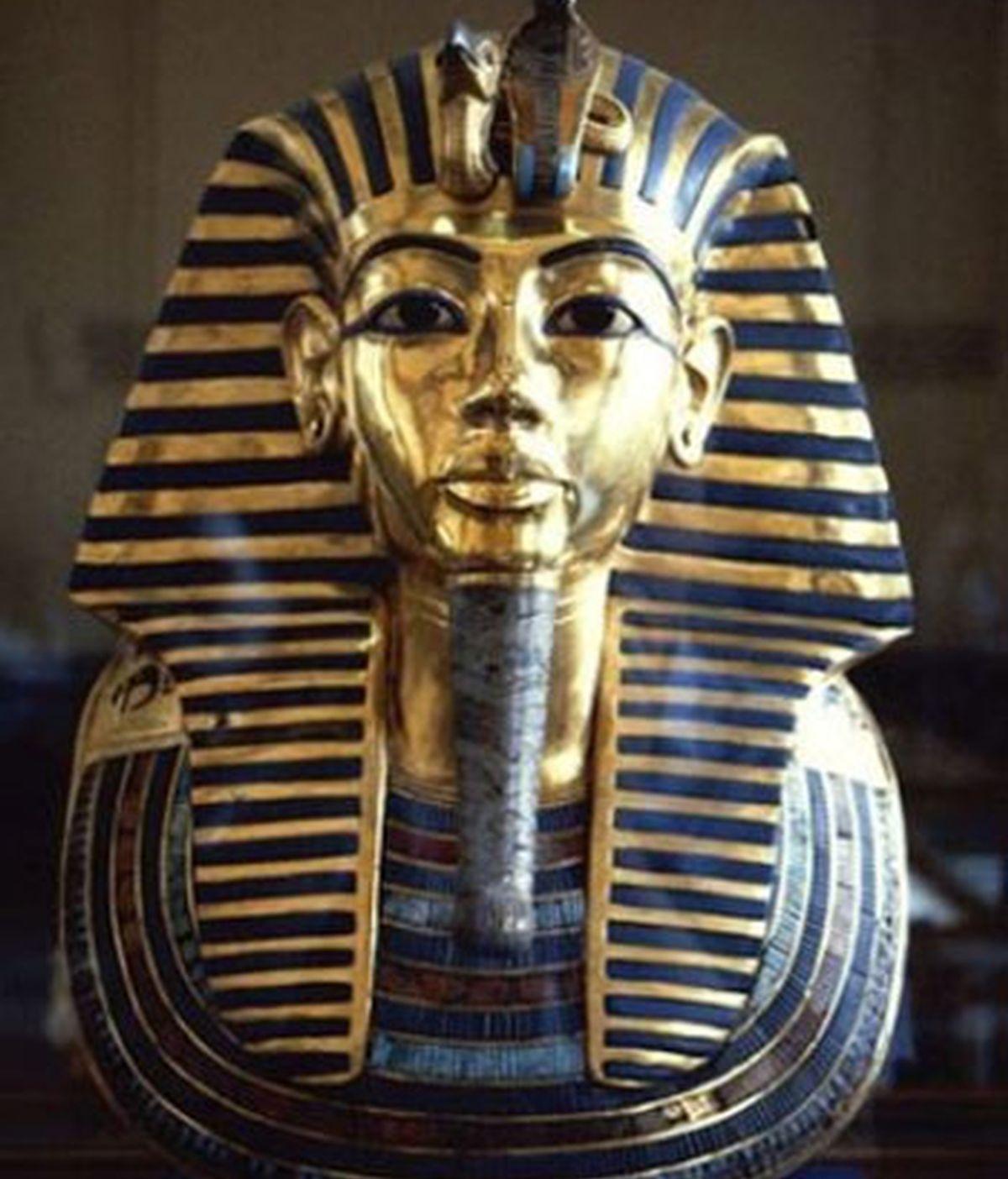 investigan daños en la máscara de Tutankamón,