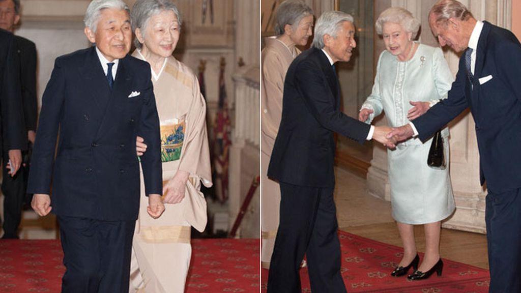 Los emperadores de Japón, Akihito y Michiko