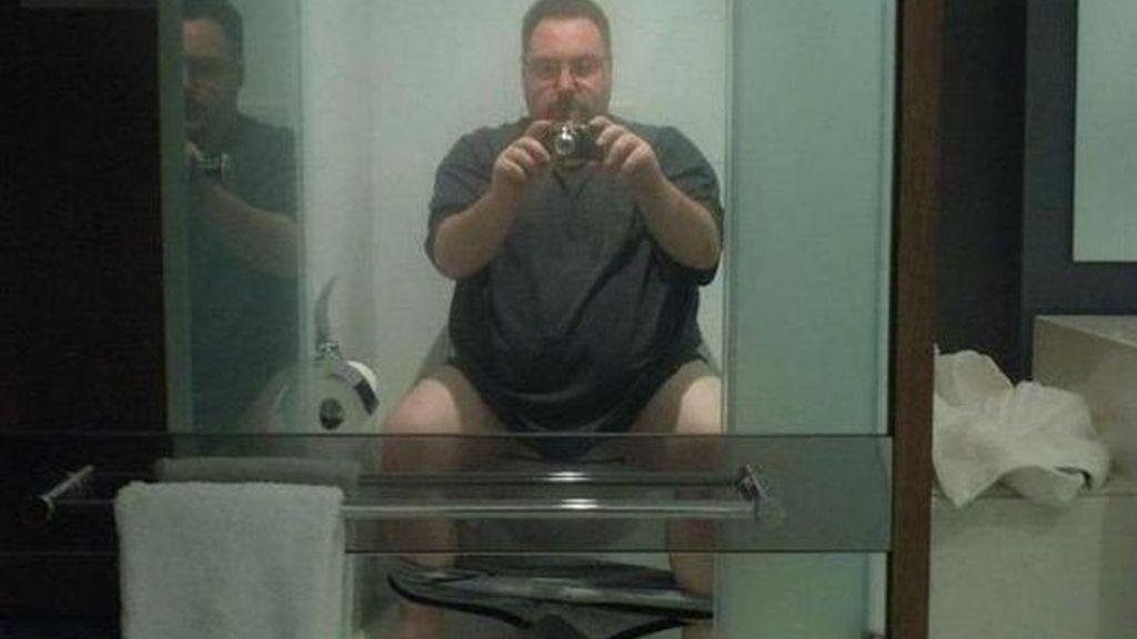 Hay quienes se empeñan en demostarnos que no han entendido la filosofía de los 'selfies'