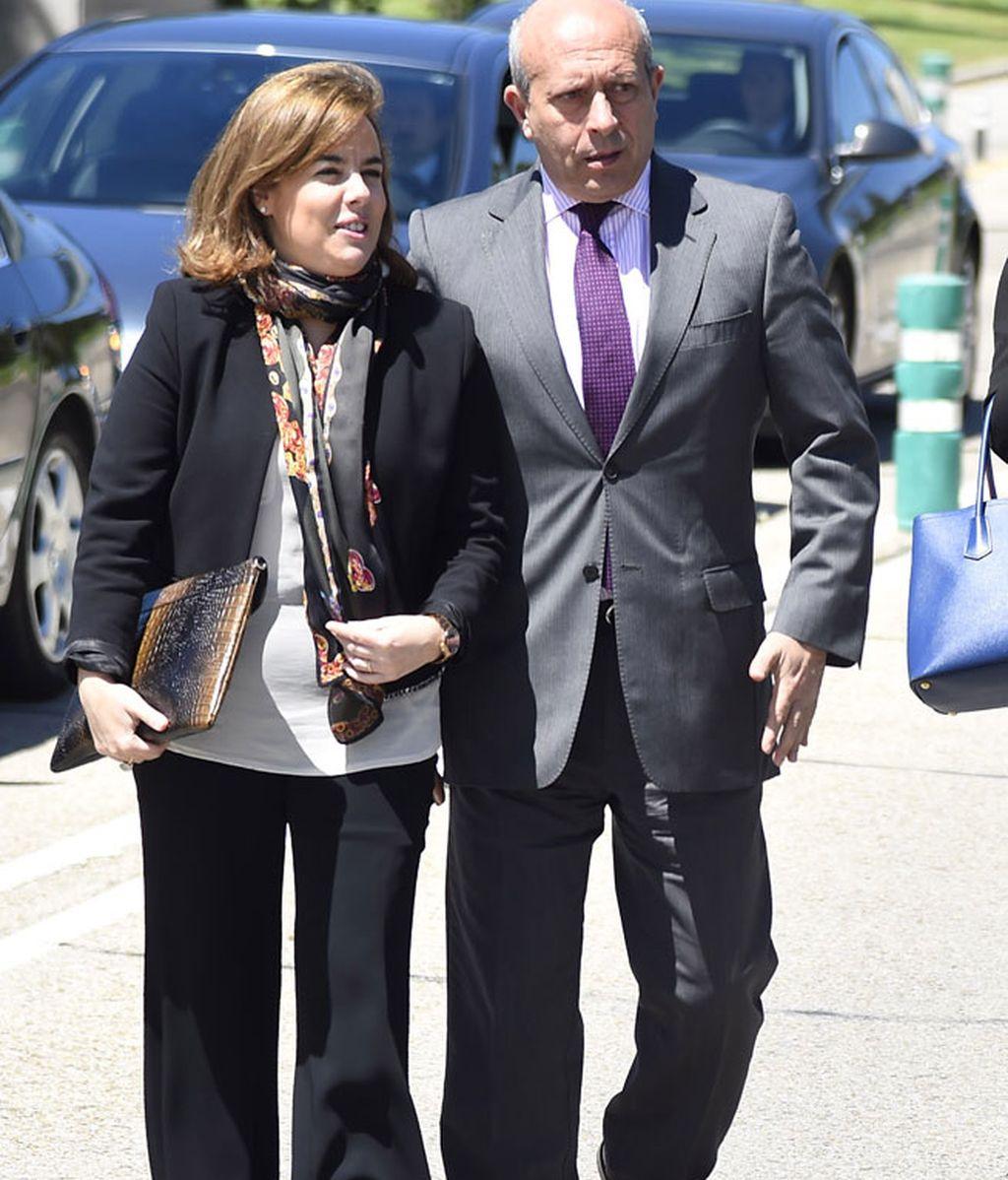 Los políticos Soraya Saenz de Santamaría y Jose Ignacio Wert