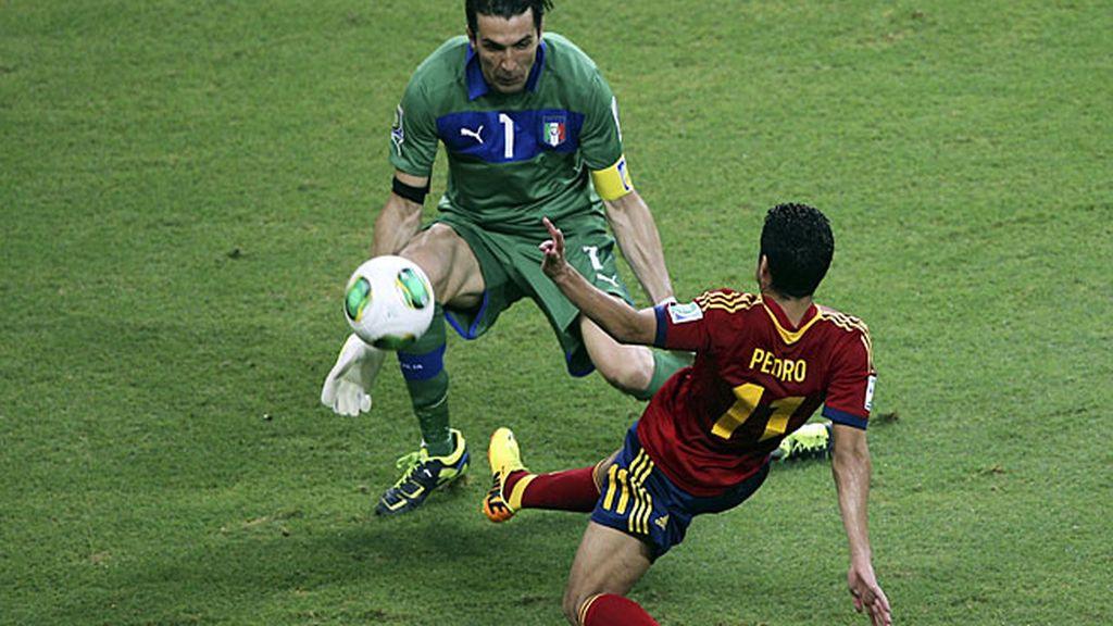 Pedro falla una ocasión ante Buffon