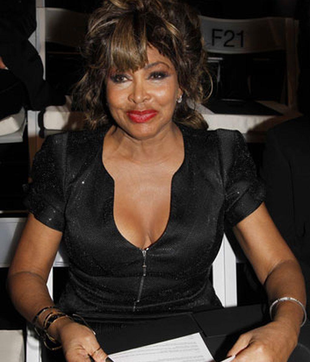 Tina Turner = Anna Mae Bullock