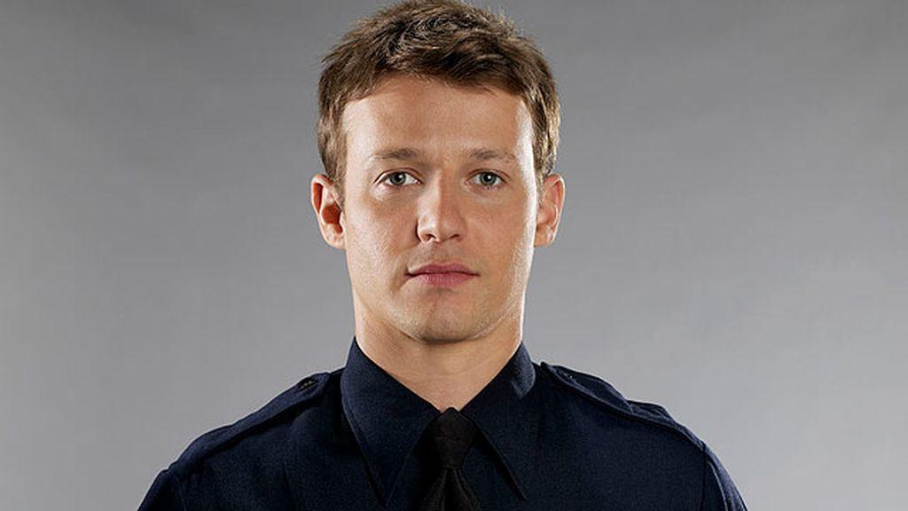Jamie Reagan, un exabogado y policía novato con un gran sentido de la justicia