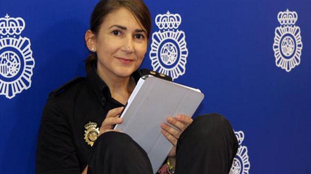 La inspectora Carolina González, la nueva 'community manager' de la Policía Nacional