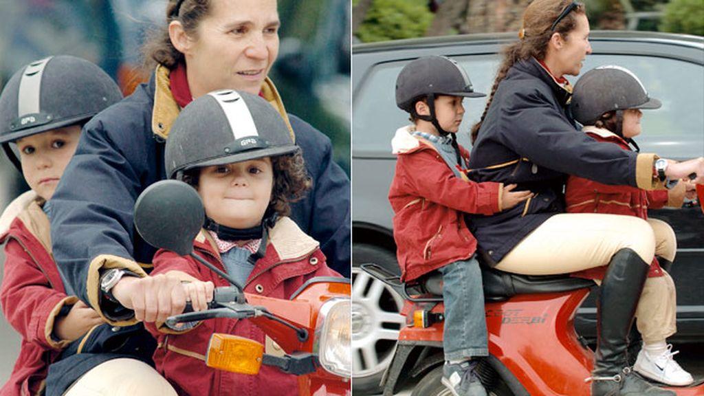 Cuando no era delito ir tres en una moto