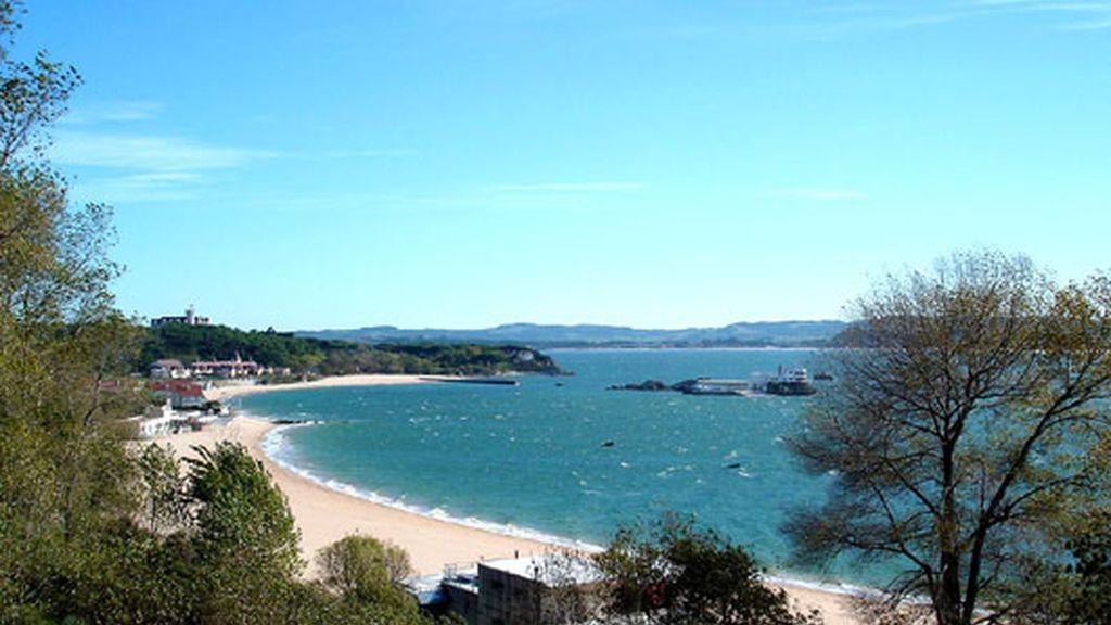 Playa de Los Peligros y La Magdalena