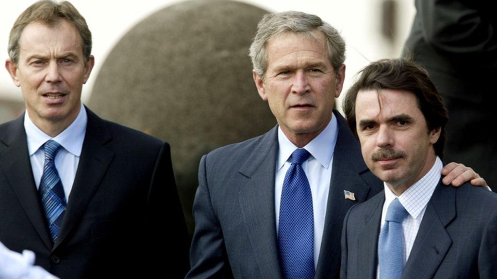 Aznar y Bush en la cumbre de las Azores de 2003