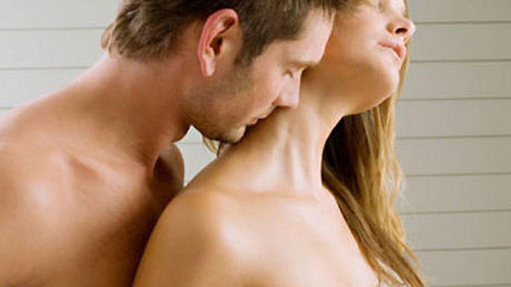 Descubren un spray que cura la infidelidad en los hombres