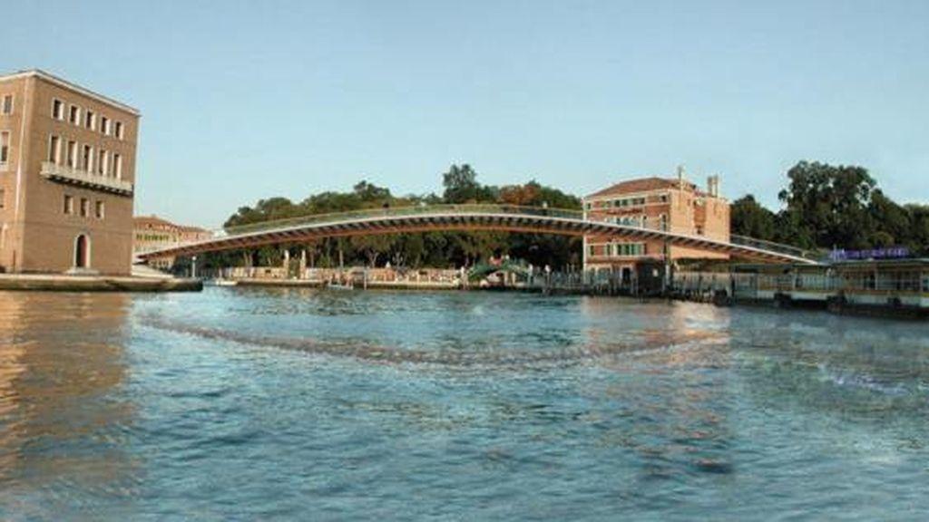 El ayuntamiento de Venecia ha decidido cancelar la ceremonia de inauguración del puente sobre el Gran Canal de Venecia proyectado por Santiago Calatrava.
