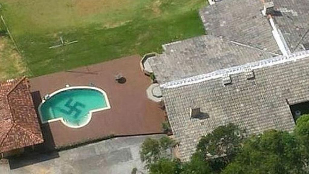 Encuentran una esvástica gigante en una piscina de Brasil