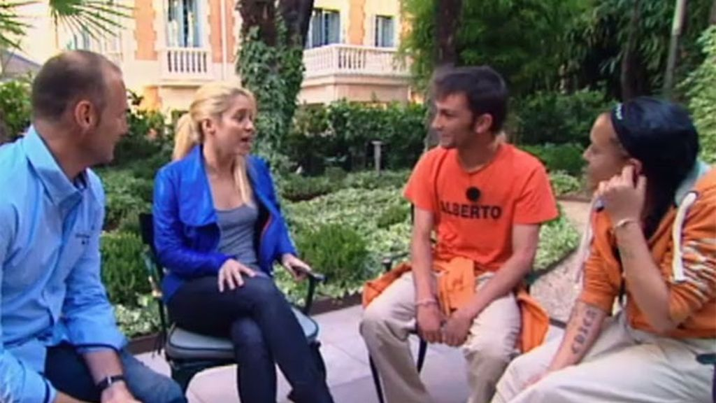 Shakira recibe a Alberto y Xyca