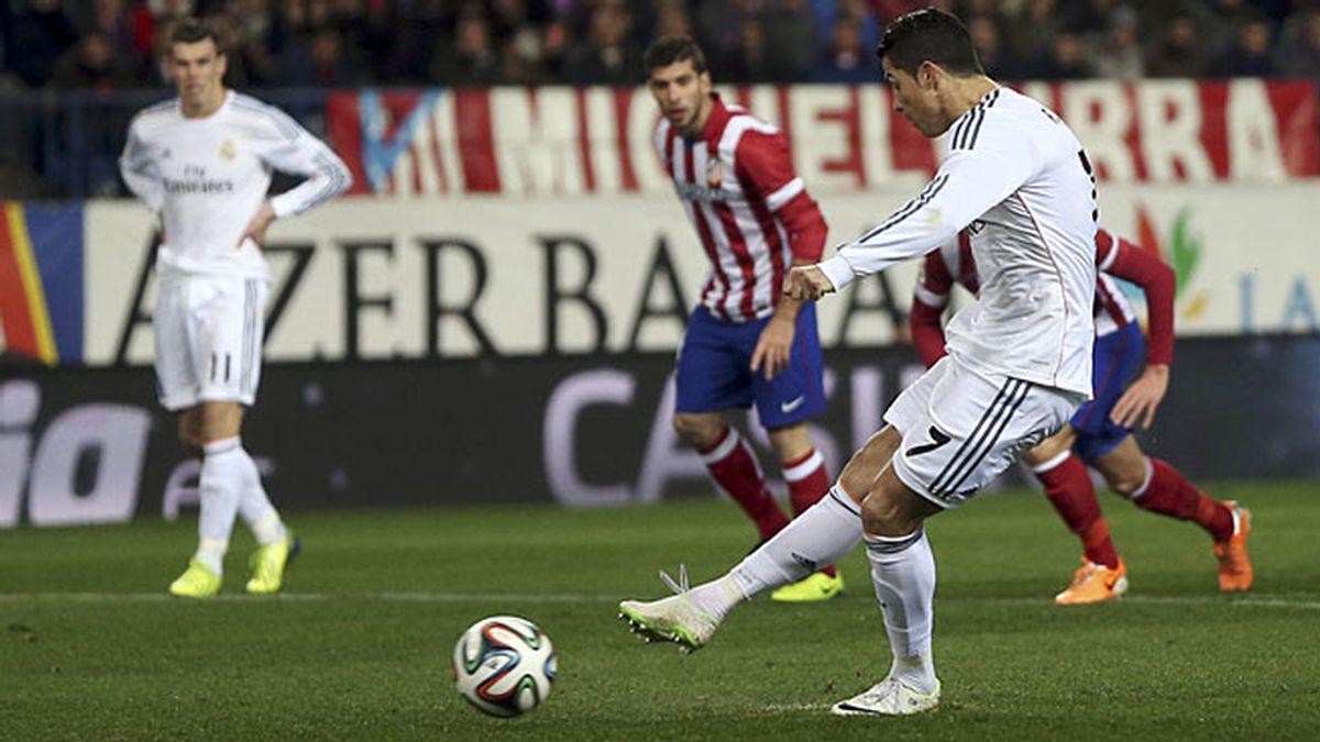 Cristiano marca de penalti en el Calderón