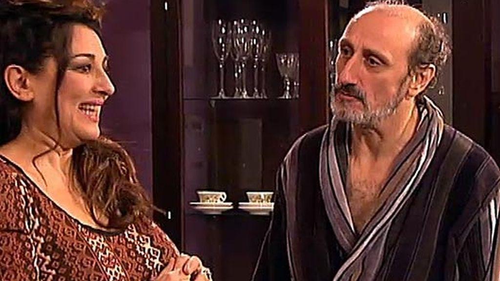 Araceli echa a Enrique de su casa