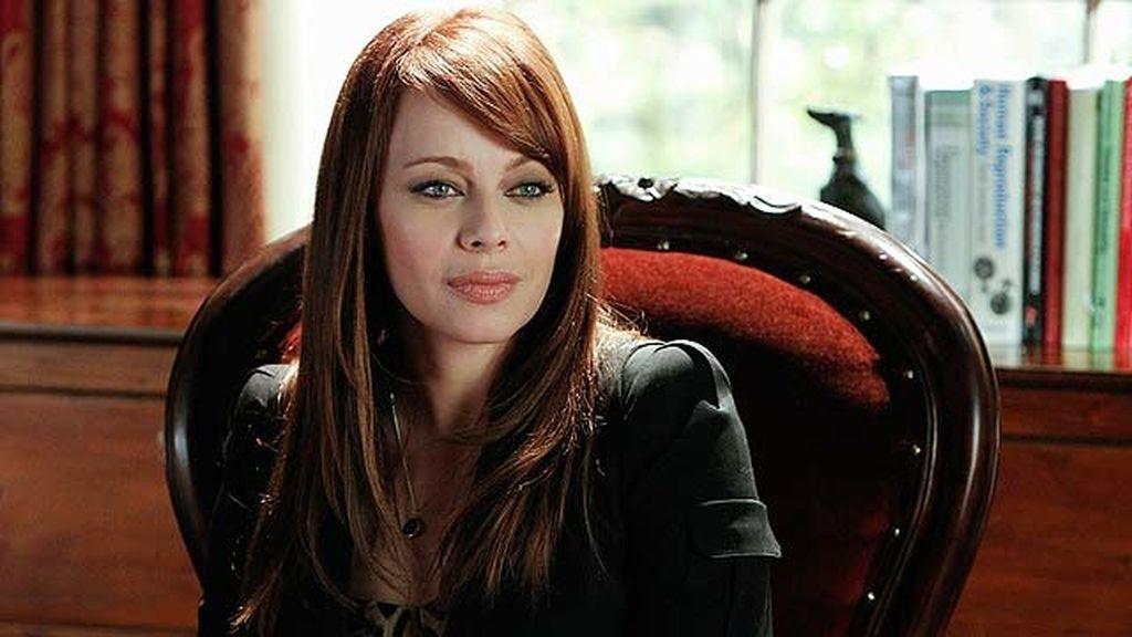 Melinda Clarke abrirá consulta como terapeuta sexual