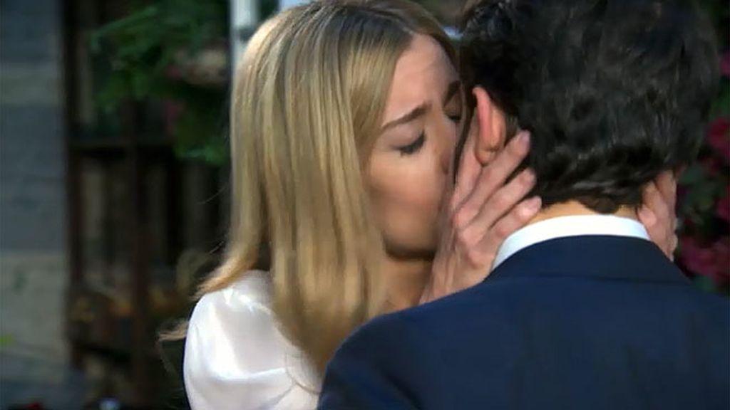 Carlota duda ante la petición de matrimonio de Pedro y sabe por qué...