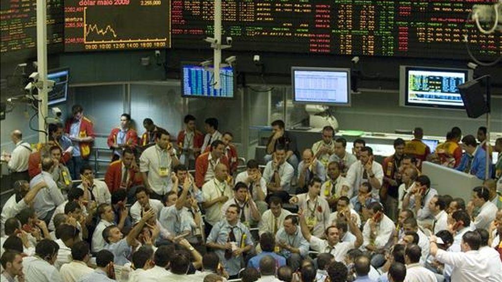 La bolsa de Sao Paulo saltó este jueves 4,19% en su índice Ibovespa, hasta los 43.736 enteros, la máxima puntuación en lo que va del 2009. EFE