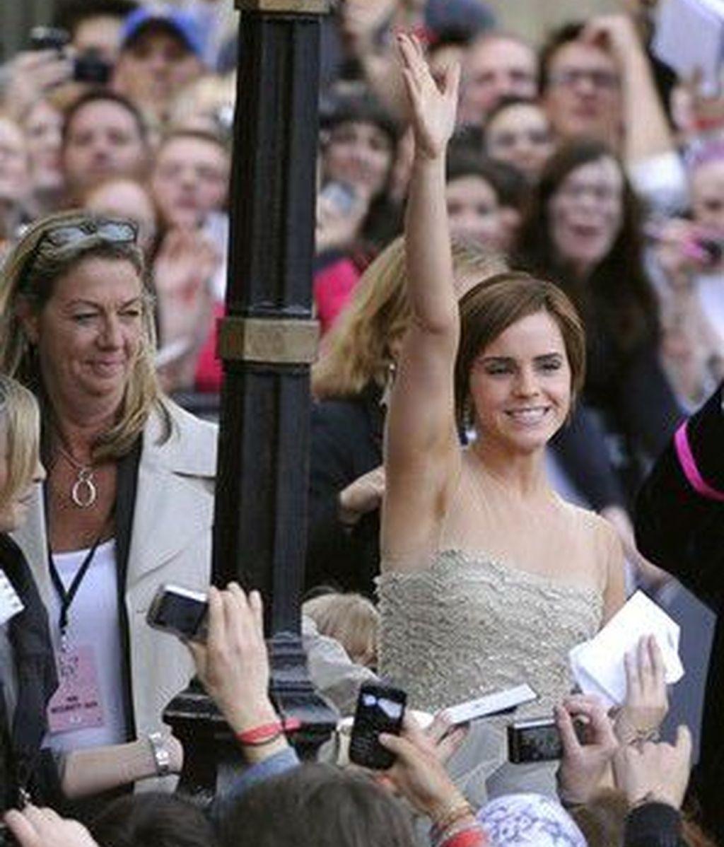 Emma Watson saluda a sus fans