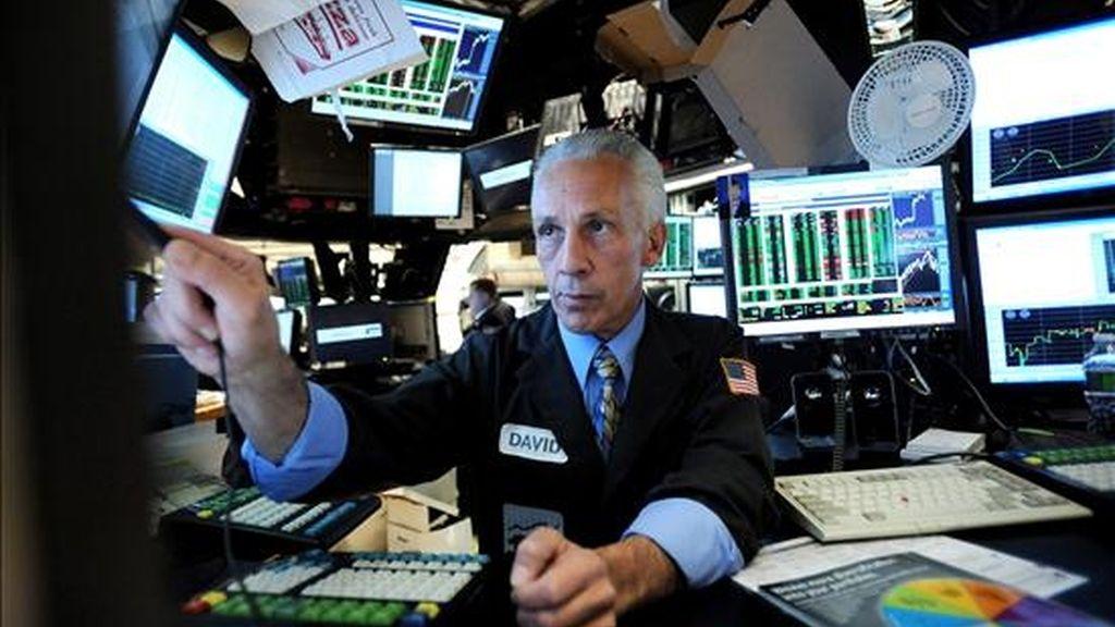 El índice Dow Jones de Industriales avanzó 12,26 puntos y finalizó en 10.537,69 unidades, con lo que encadenó cuatro días consecutivos de ganancias. EFE/Archivo