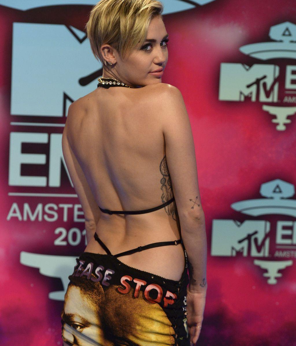 Miley Cyrus, en su llegada a los MTV EMA