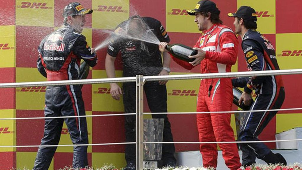 Red Bull hace doblete