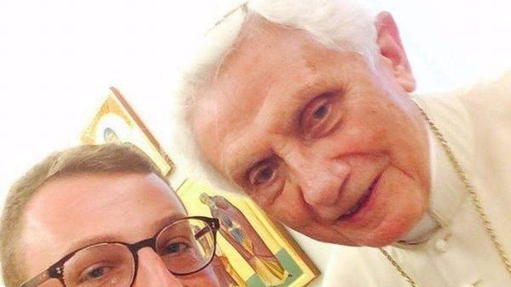 El selfie del papa emérito