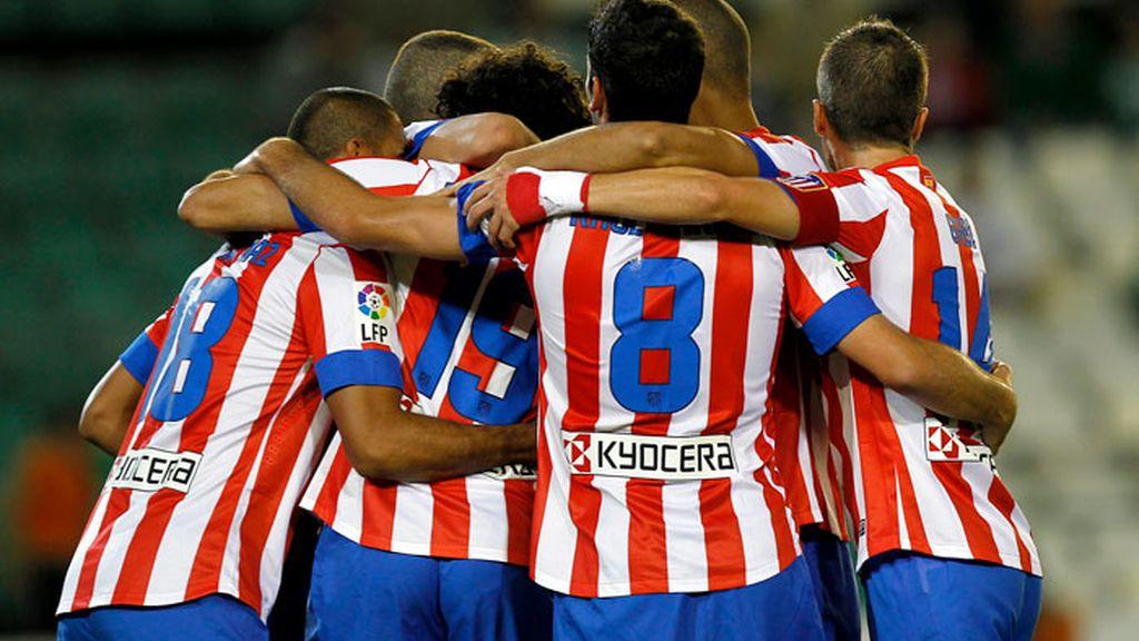 El Atlético gana al Betis con suspense