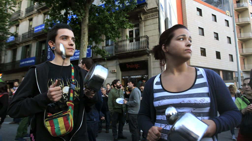 Cacerolada en protesta por el desalojo de Can Vies