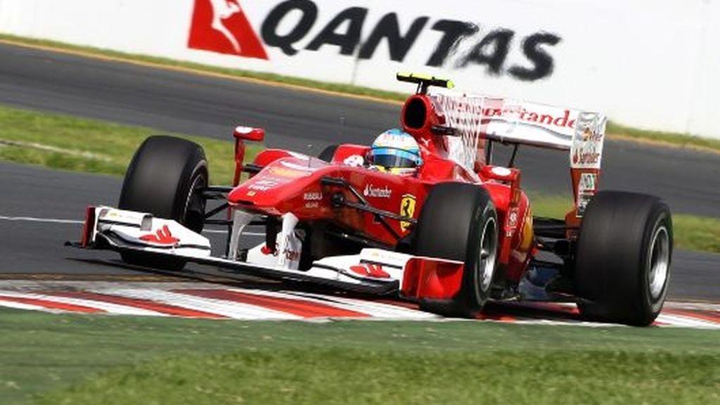 Los McLaren mandan en los segundos libres