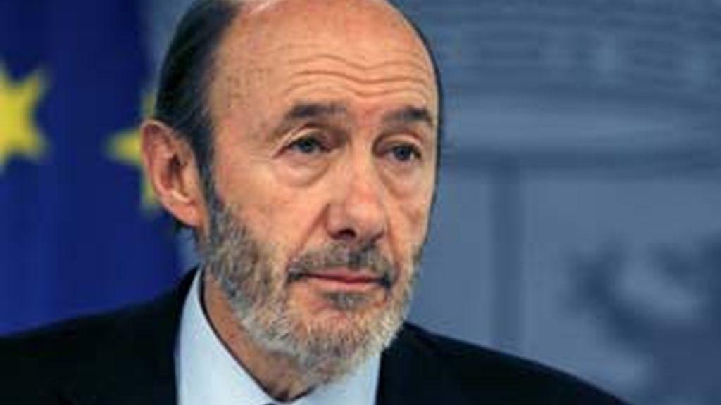 El vicepresidente primero, Alfredo Pérez Rubalcaba, en declaraciones a varias radios. Vídeo: ATLAS