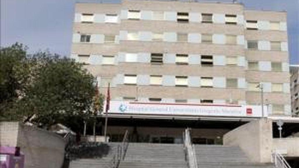Fachada del hospital Gregorio Marañón de Madrid donde ha sido ingresado el hombre. EFE/Archivo