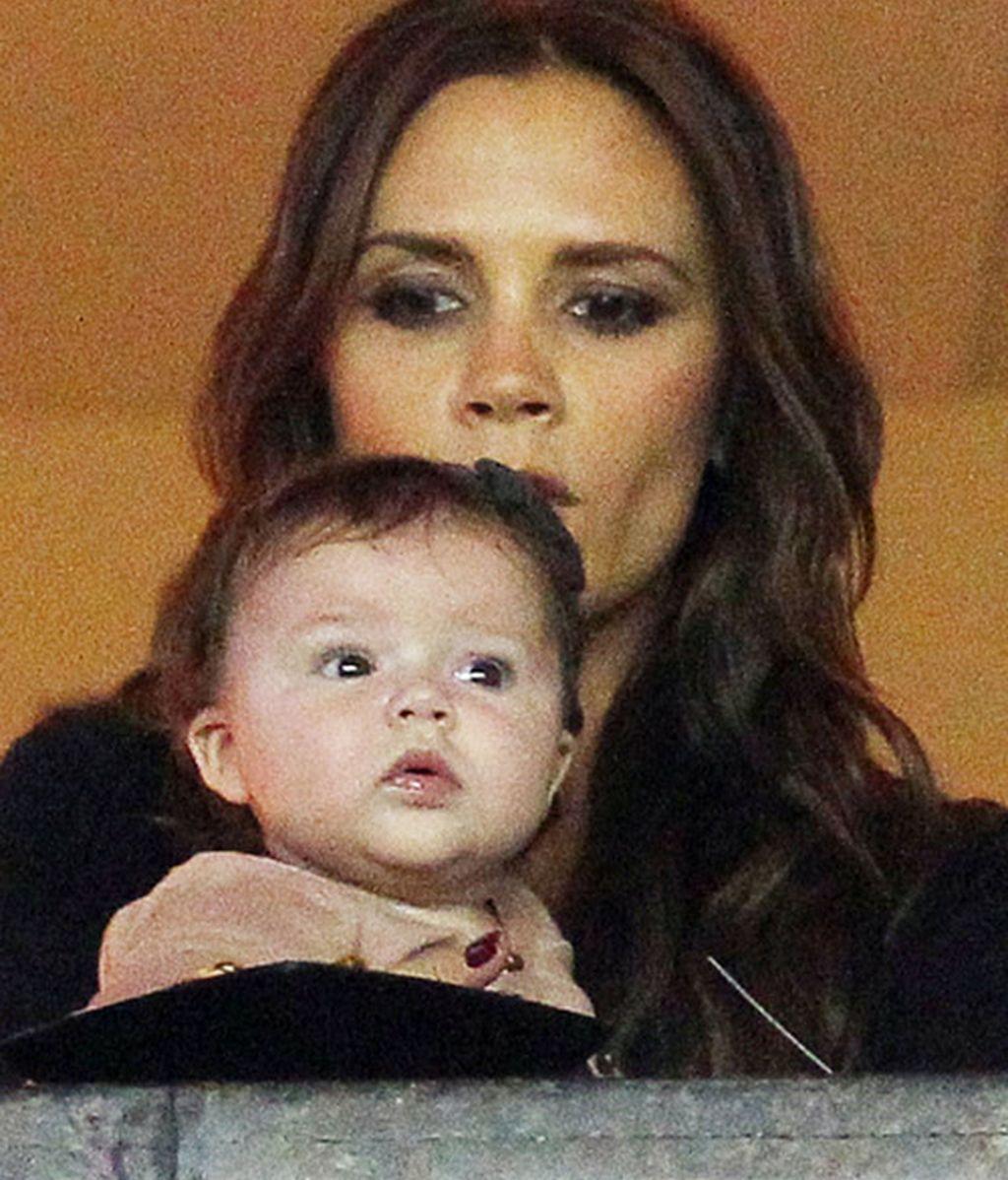 Victoria Beckham y Eva Longoria se marcan un 'Michael Jackson' con Harper 7