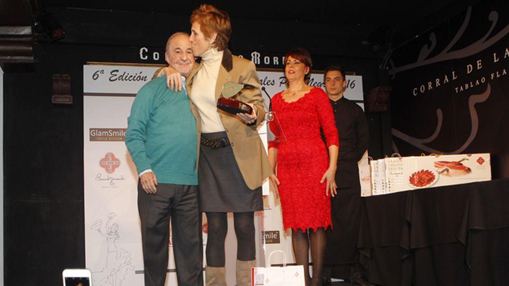 Mercedes Milá besa y abraza a José María García