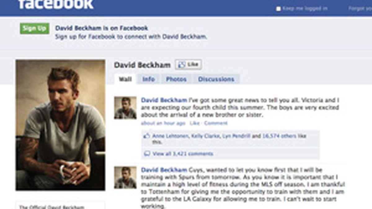 David Beckham publica en su muro de facebook su próxima paternidad FOTO:GTRES