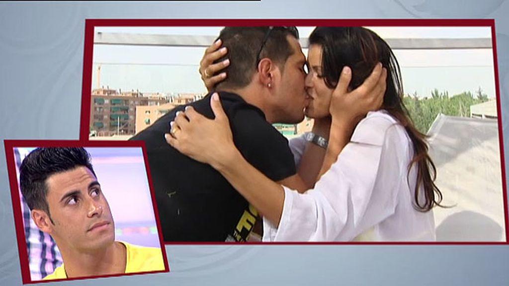 Algo frena los besos de Jackie