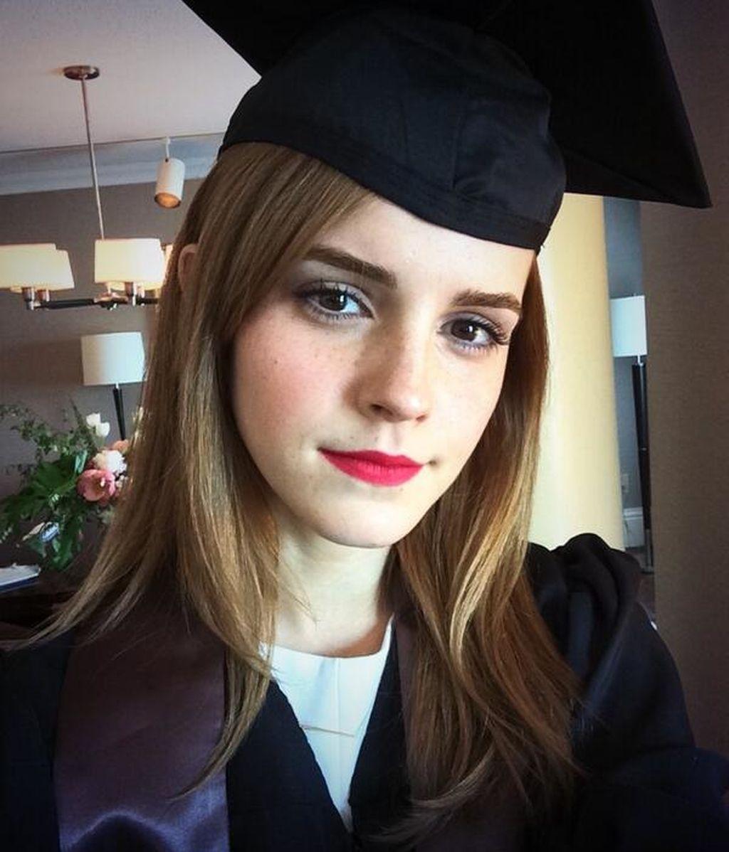 Emma Watson se gradúa