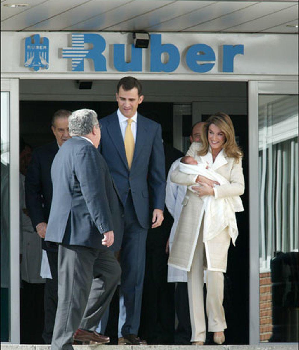 Los Príncipes de Asturias presentan a la Infanta Leonor