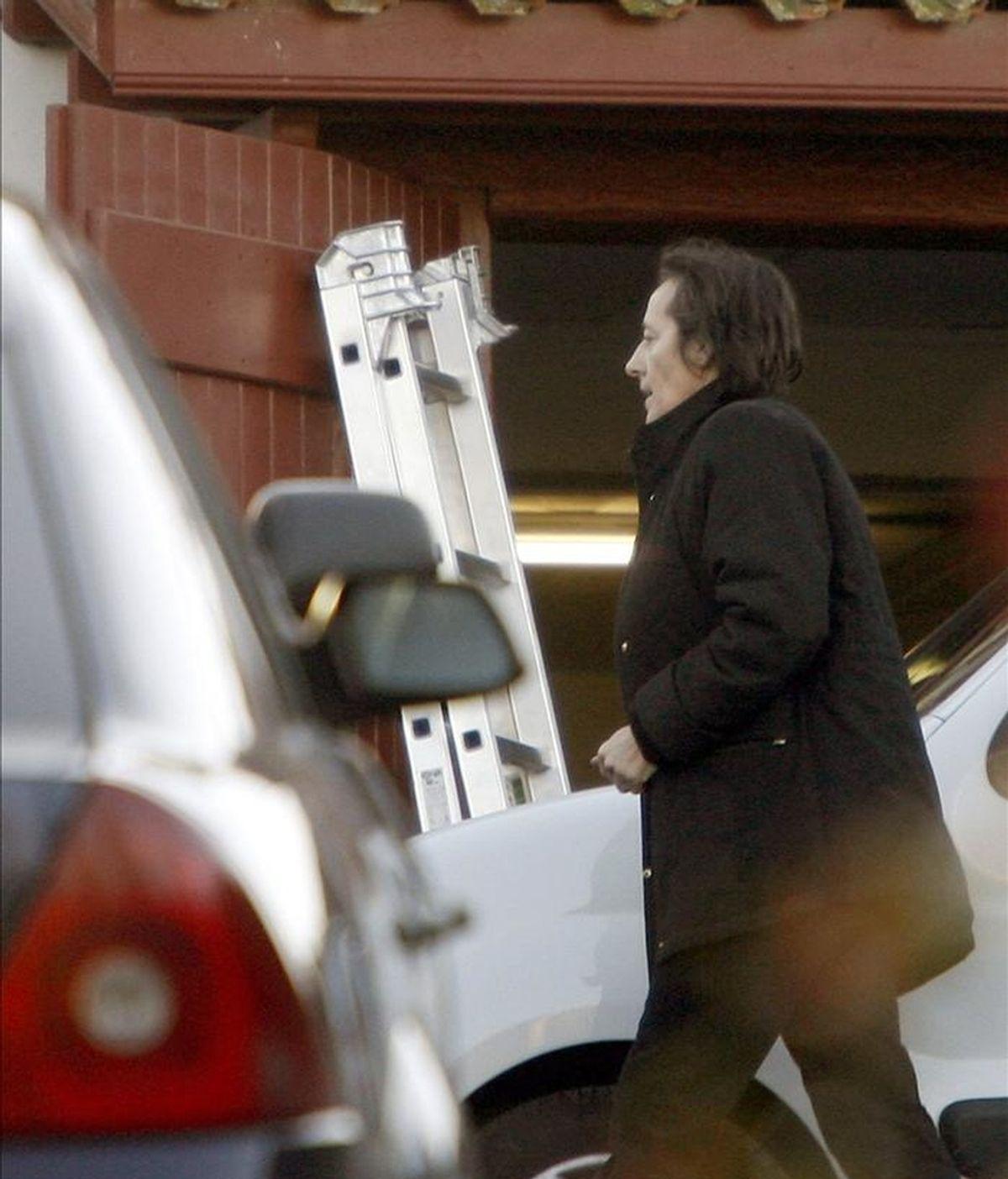 La juez antiterrorista francesa Laurence Le Vert durante un registro en una casa de la localidad vascofrancesa de Urrugne. EFE/Archivo