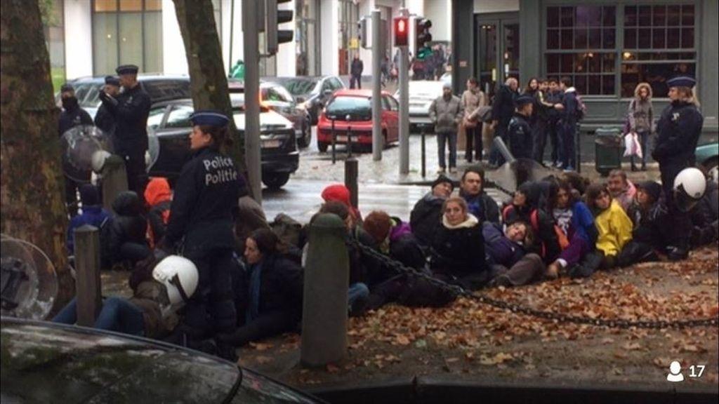 Los españoles asistentes a una manifestación contra el TIPP