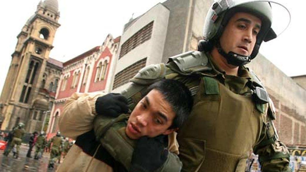 Enfrentamientos entre estudiantes y policía. Vídeo: ATLAS
